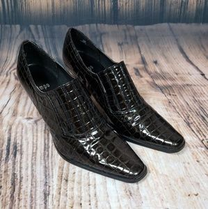 Impo Ankle Booties Textured Faux Crocodile 9.5